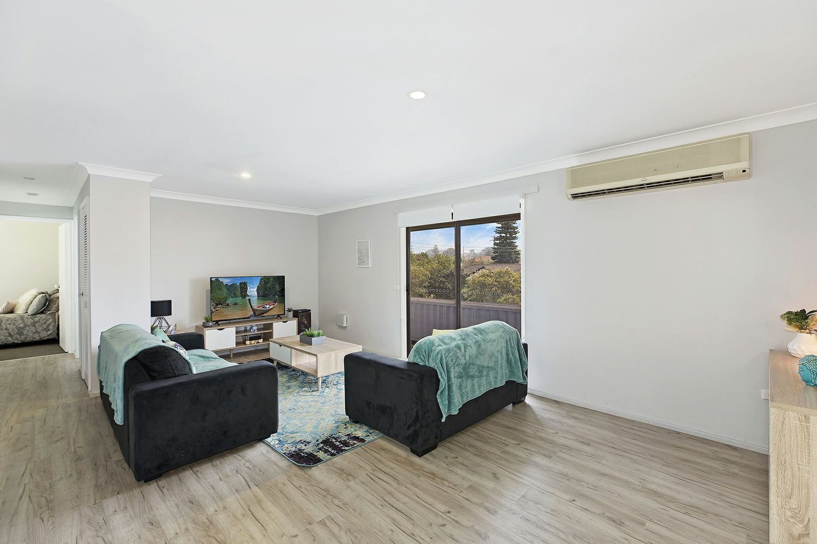 8 Ferndale Street, Killarney Vale NSW 2261, Image 1