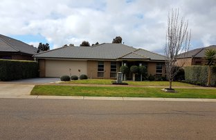 Picture of 21 Desert Gum Way, Brookfield VIC 3338