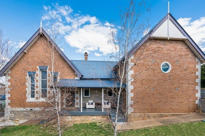 Picture of 64 Edward Street, MOLONG NSW 2866