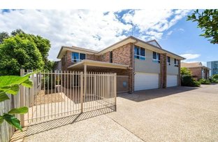 Picture of 4/18 Broad Street, Labrador QLD 4215