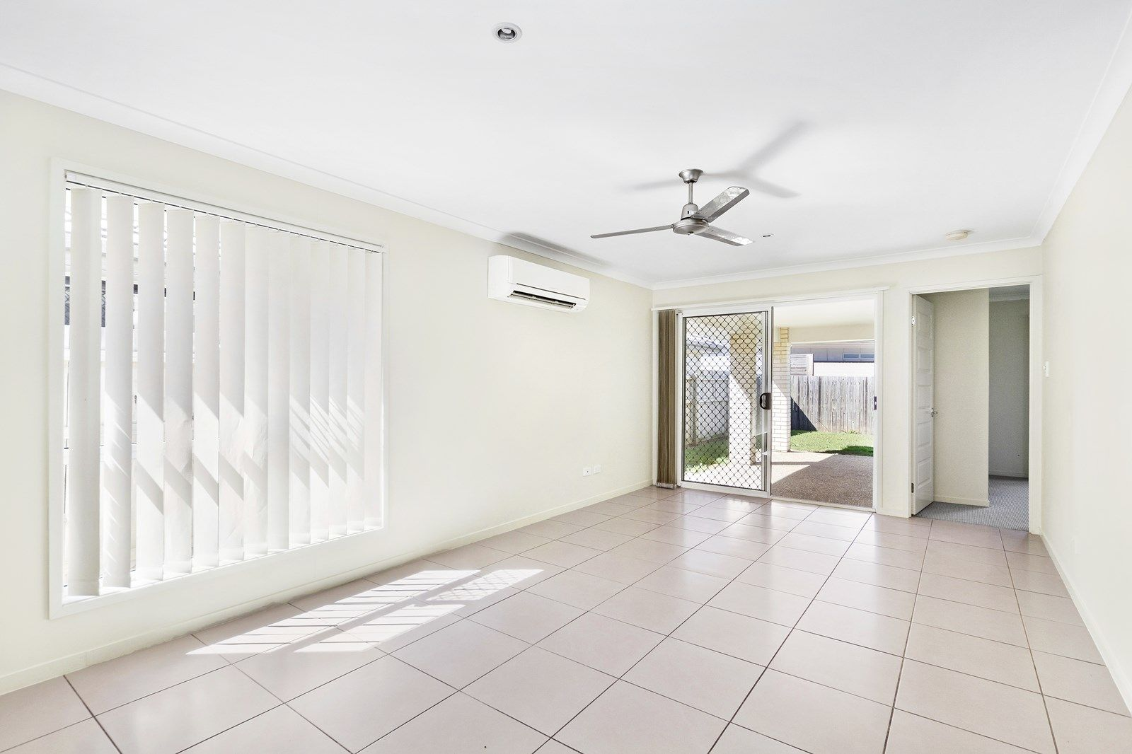 23 Miers Crescent, Murrumba Downs QLD 4503, Image 2
