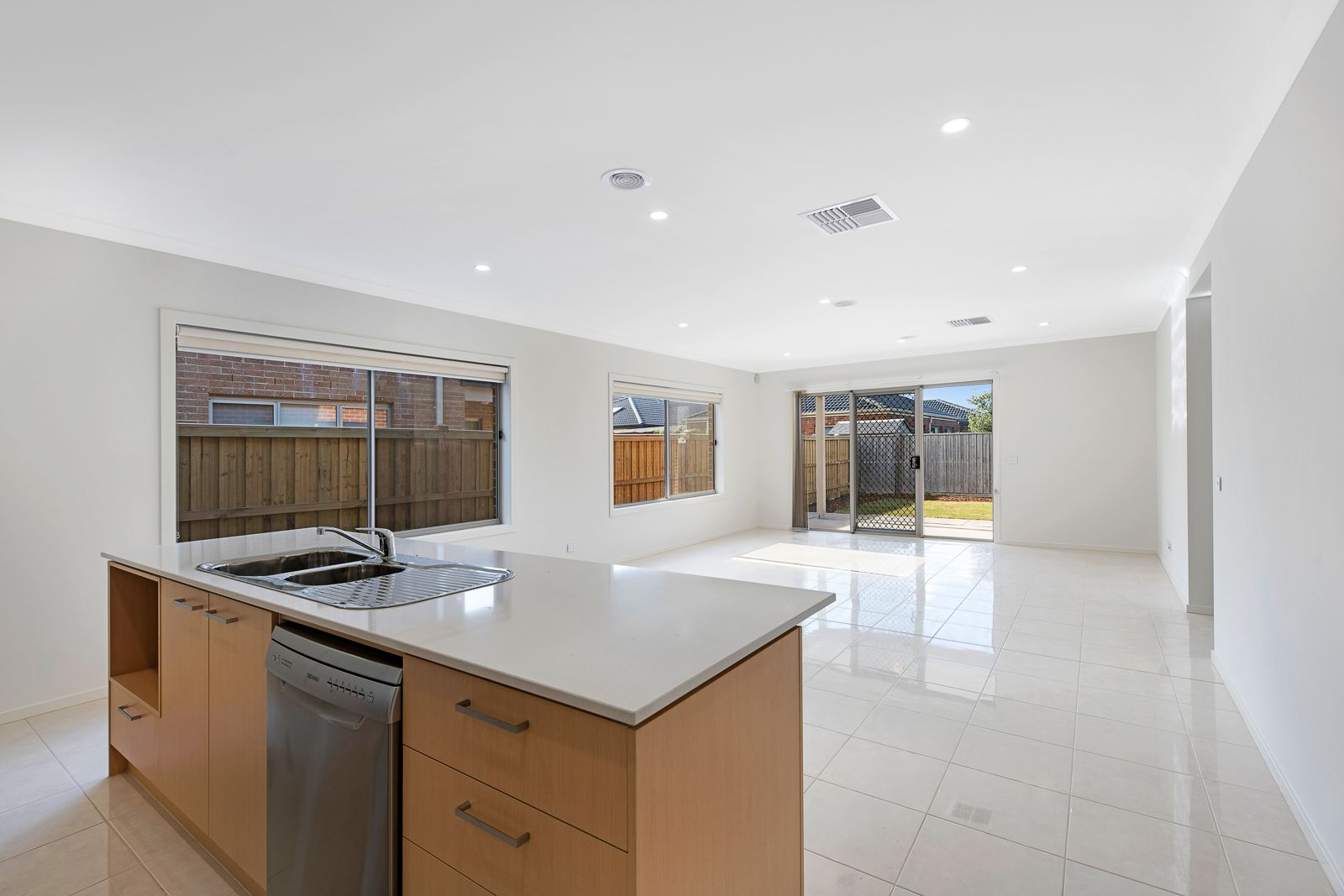 45 Baycrest Drive, Point Cook VIC 3030, Image 2