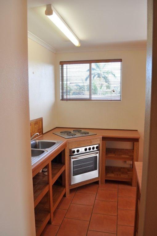 9/150 Mitchell Street, North Ward QLD 4810, Image 2