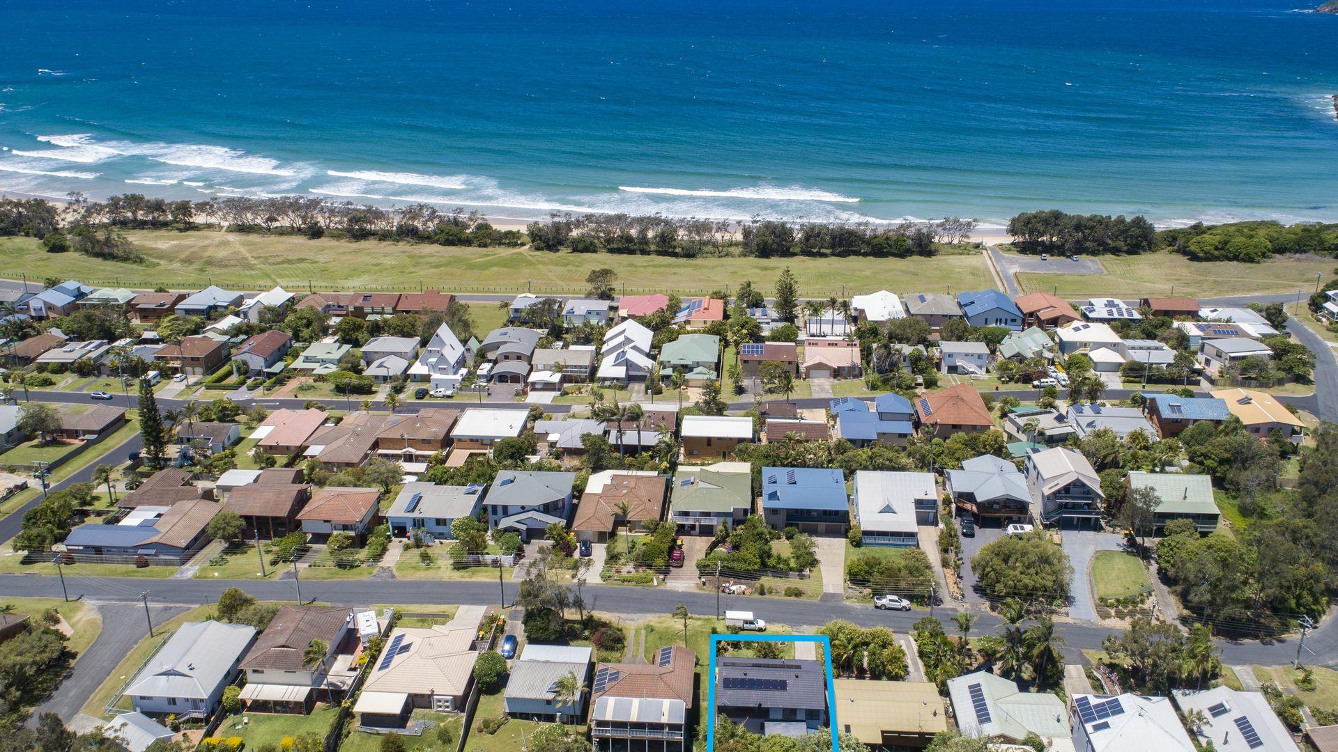 64 Ironbark Avenue, Sandy Beach NSW 2456, Image 2