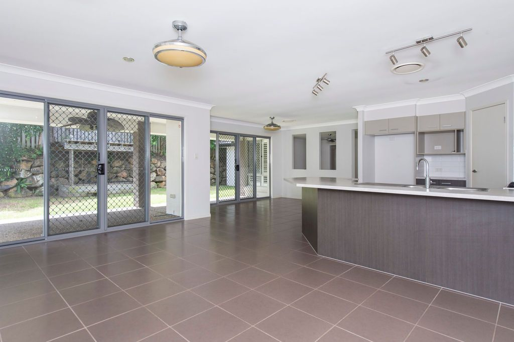 33 Heatherdale Drive, Upper Coomera QLD 4209, Image 2