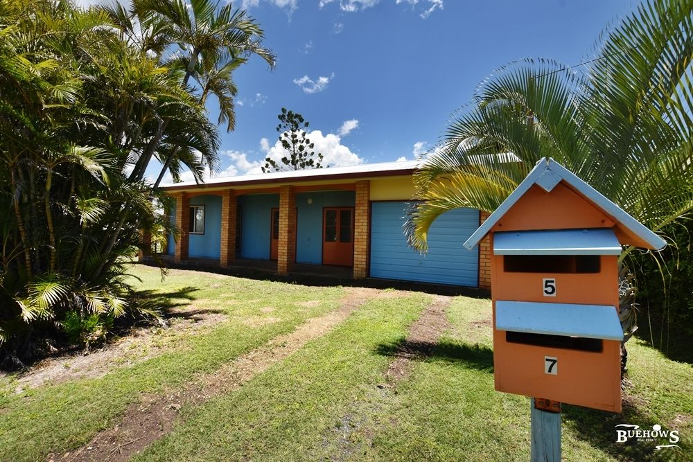 7 Pelican St, Emu Park QLD 4710, Image 0