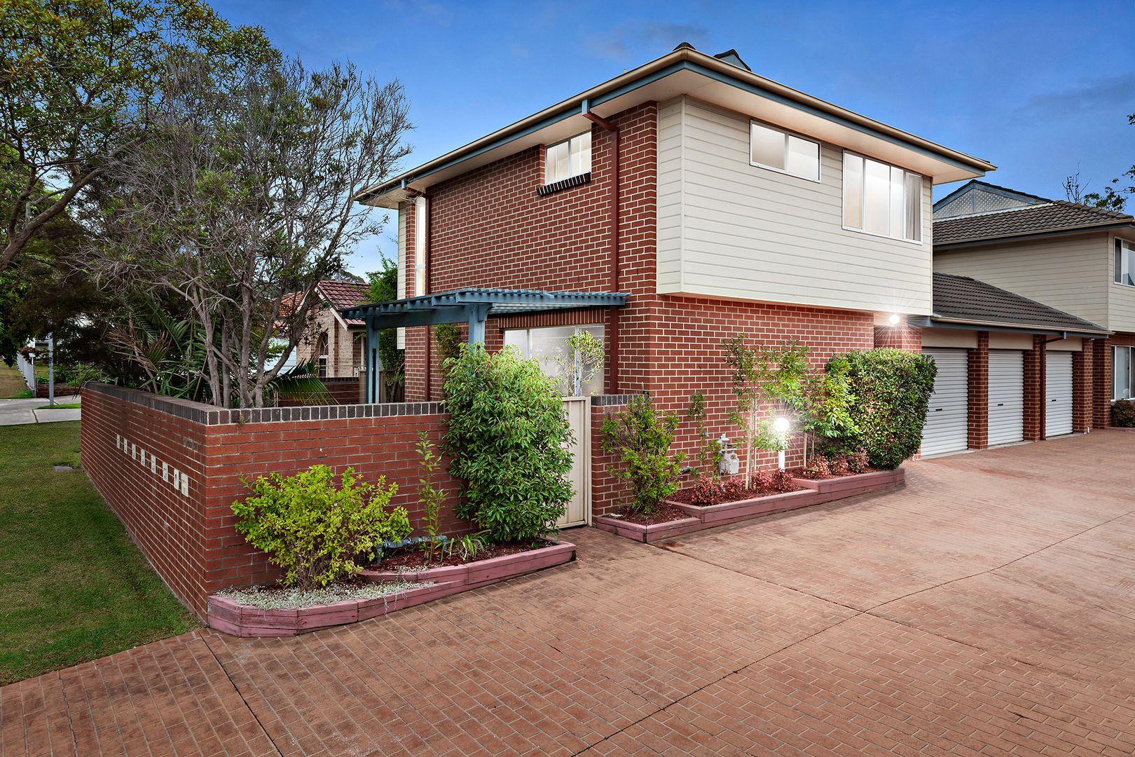 1/4 Robb Street, Belmont NSW 2280, Image 0