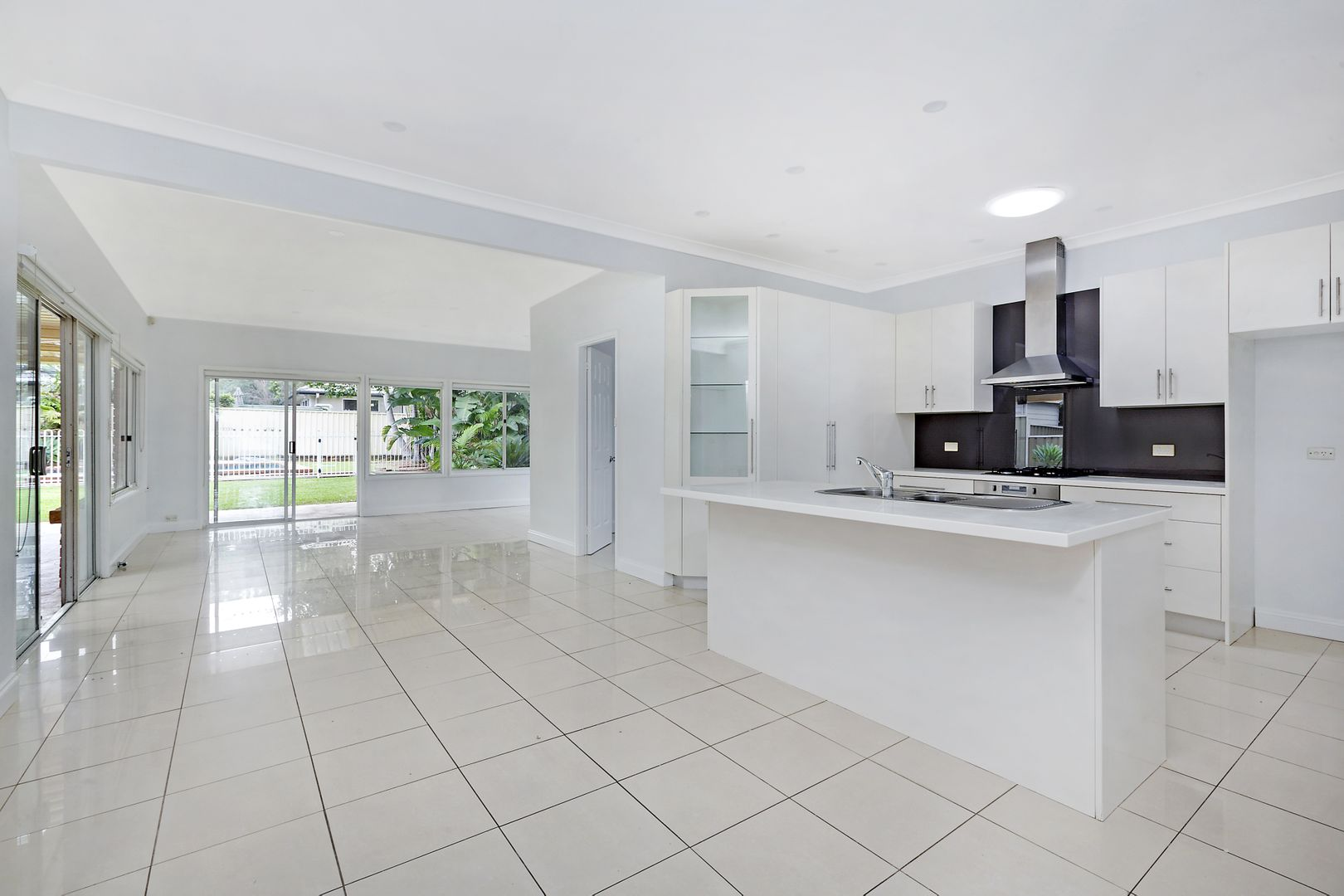 42 Caringbah Road, Woolooware NSW 2230, Image 2