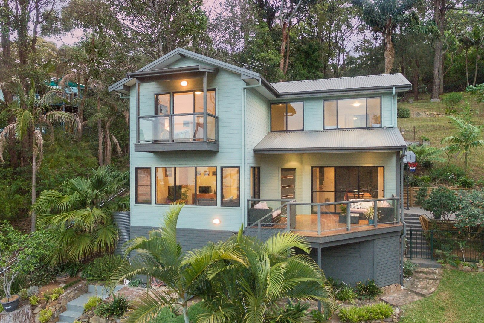 36 Asquith Street, Austinmer NSW 2515, Image 0