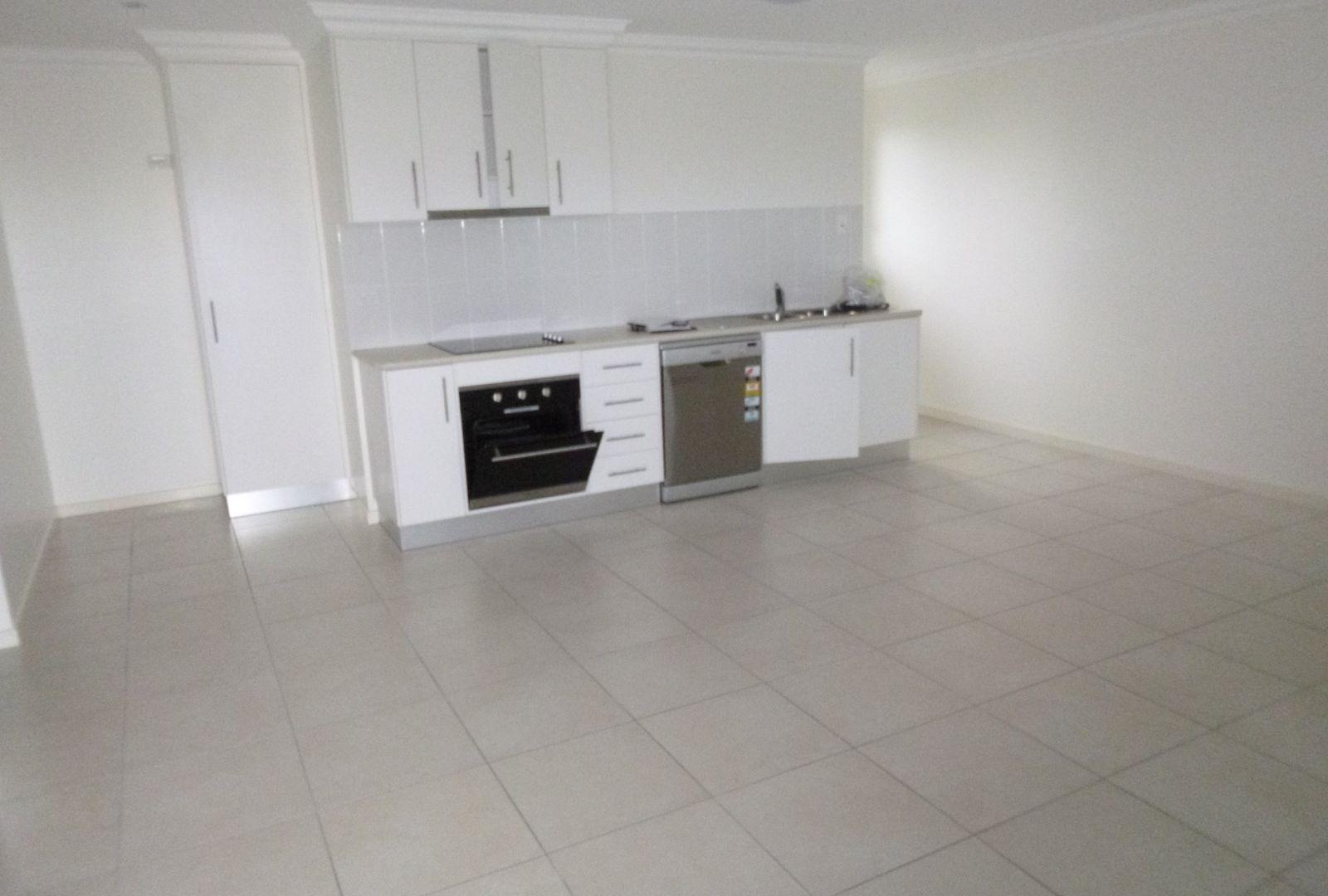2/37 Electra Street, Bundaberg West QLD 4670, Image 1