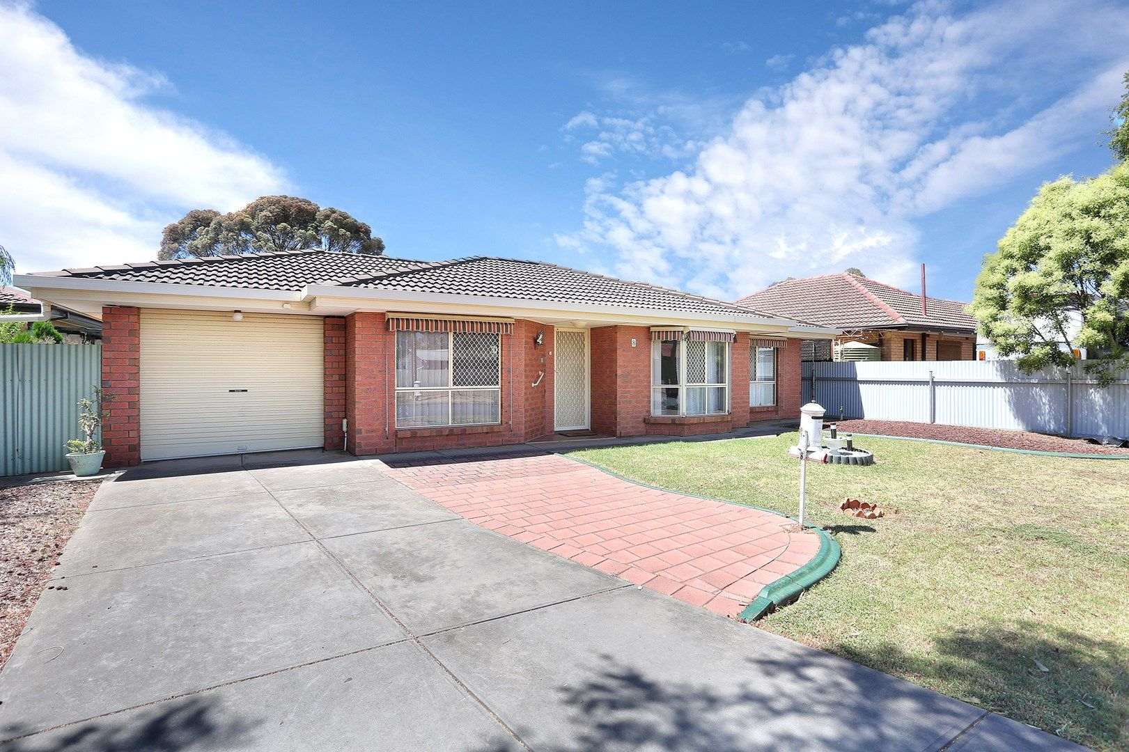8 Tipperary Court, Salisbury Downs SA 5108, Image 0