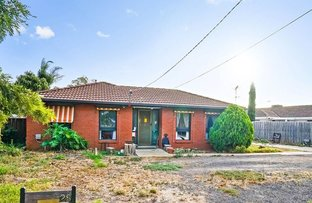 Picture of 28 Dobell Crescent, Werribee VIC 3030