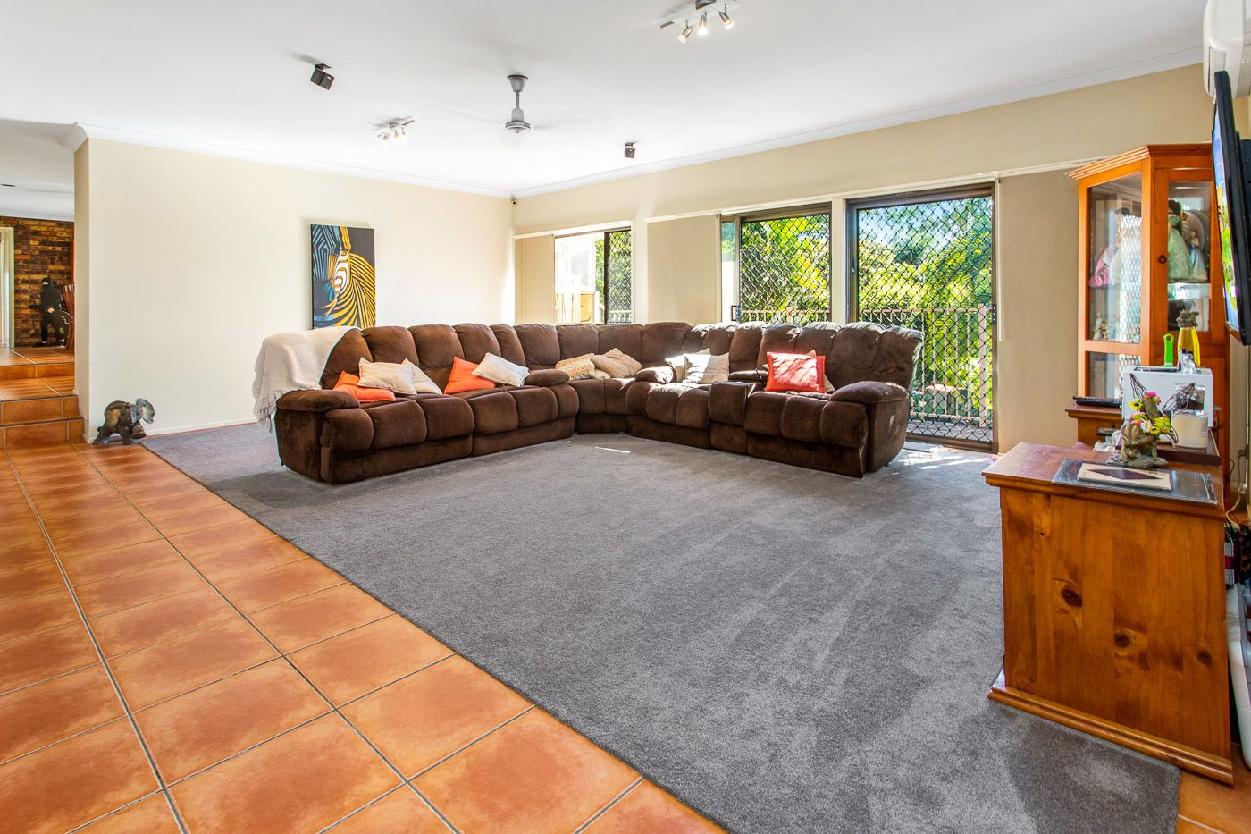 11 Surrey Ct, Helensvale QLD 4212, Image 1