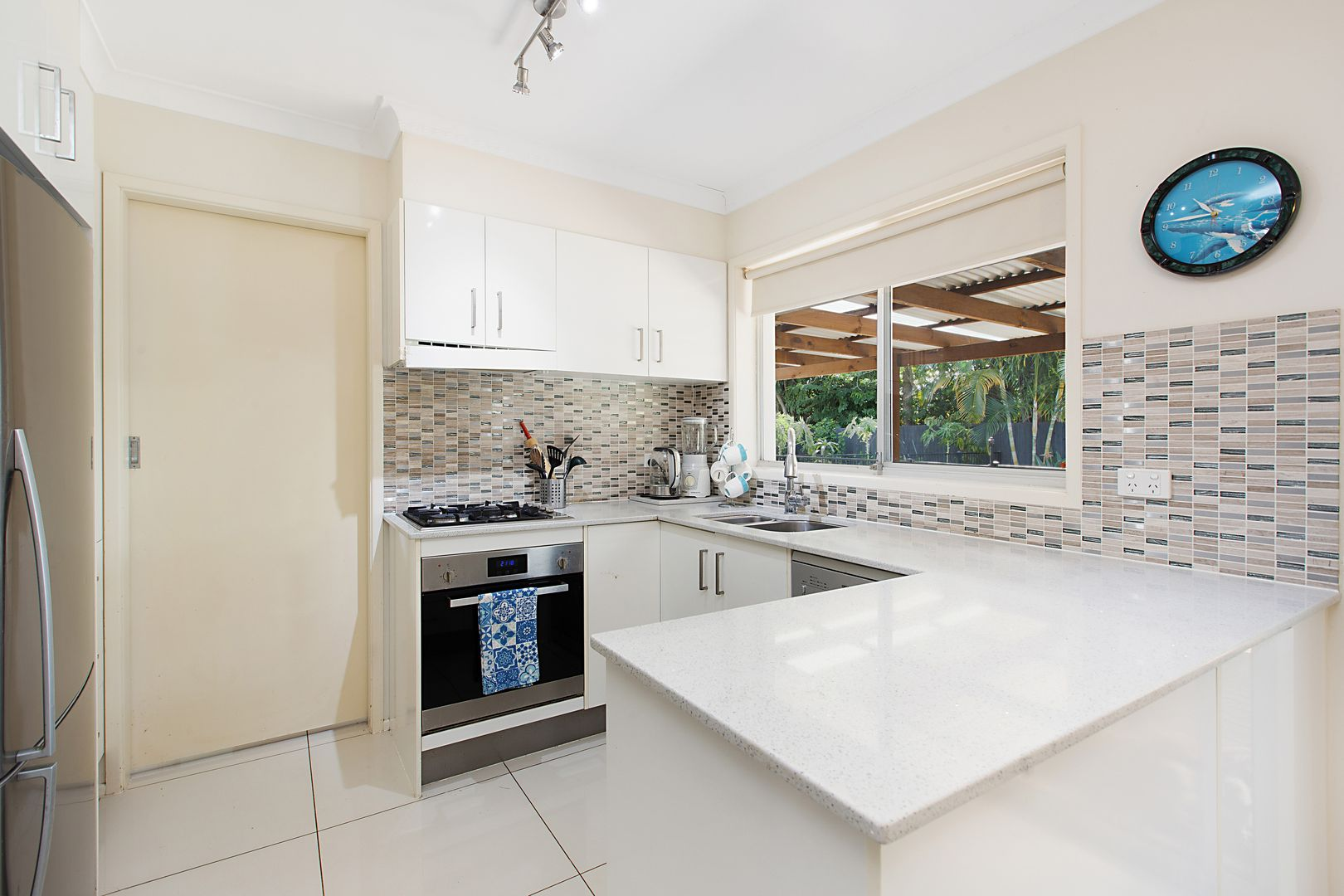 13 Amboina Avenue, Palm Beach QLD 4221, Image 2