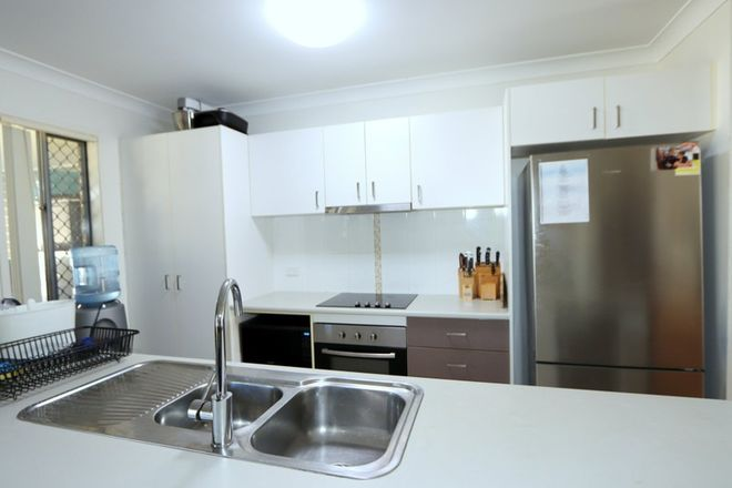 Picture of 14 Lakeside Drive, EMERALD QLD 4720
