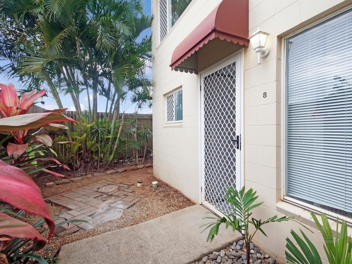 8/8 Short Street, Redlynch QLD 4870, Image 0