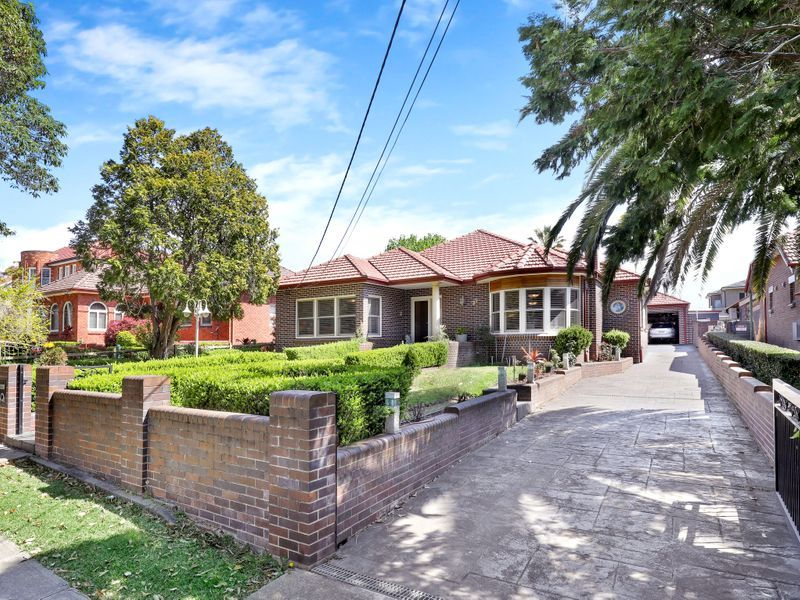 32 Cumming Avenue, Concord West NSW 2138, Image 0
