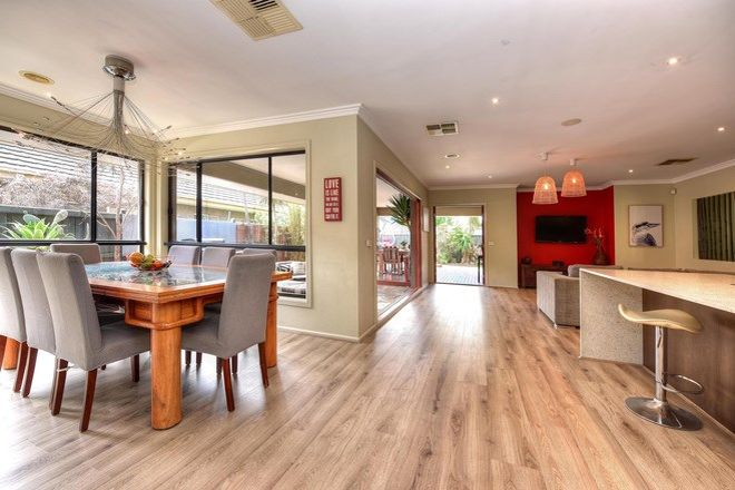 Picture of 27 Coorong Circle, WATERWAYS VIC 3195
