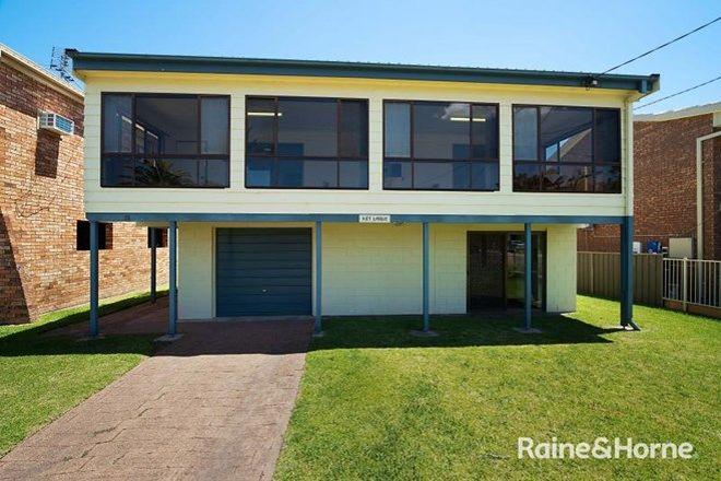 Picture of 13 Tanilba Avenue, TANILBA BAY NSW 2319