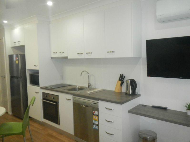 2/36 Wallen Street, Miles QLD 4415, Image 2
