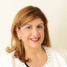 Fay Petrou, Principal