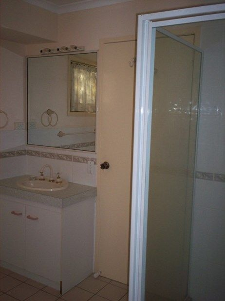 2 Lochore Court, Crestmead QLD 4132, Image 2