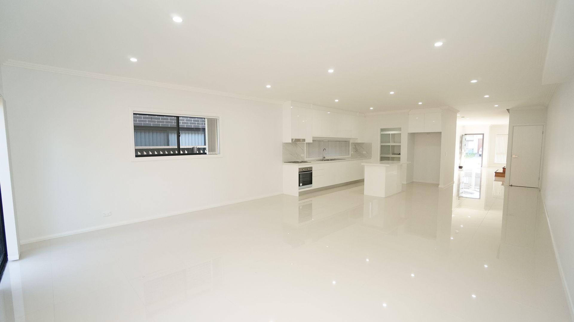 27 Kihilla Street, Fairfield Heights NSW 2165, Image 2