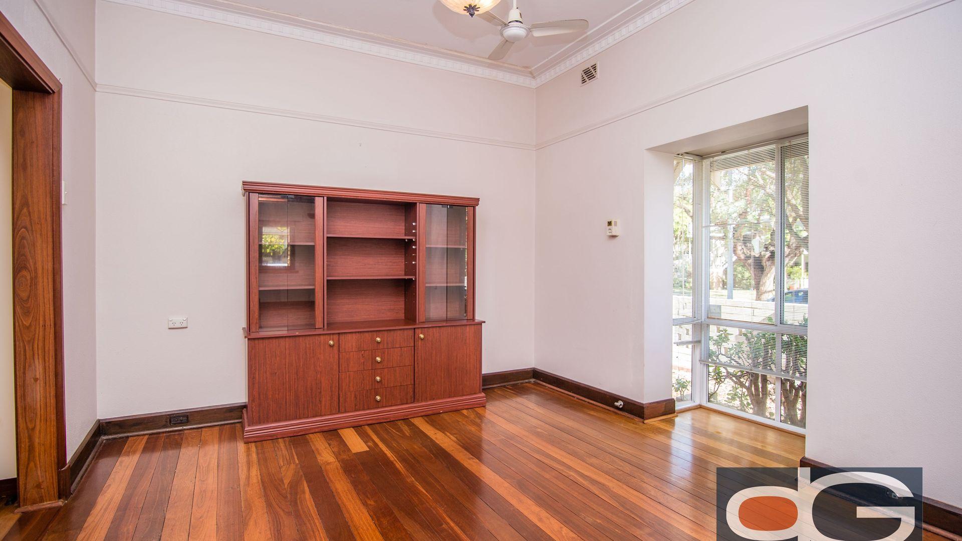 113 Marmion Street, Fremantle WA 6160, Image 2