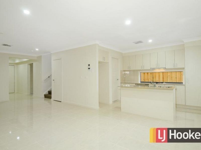 105 Hezlett Road, Kellyville NSW 2155, Image 2