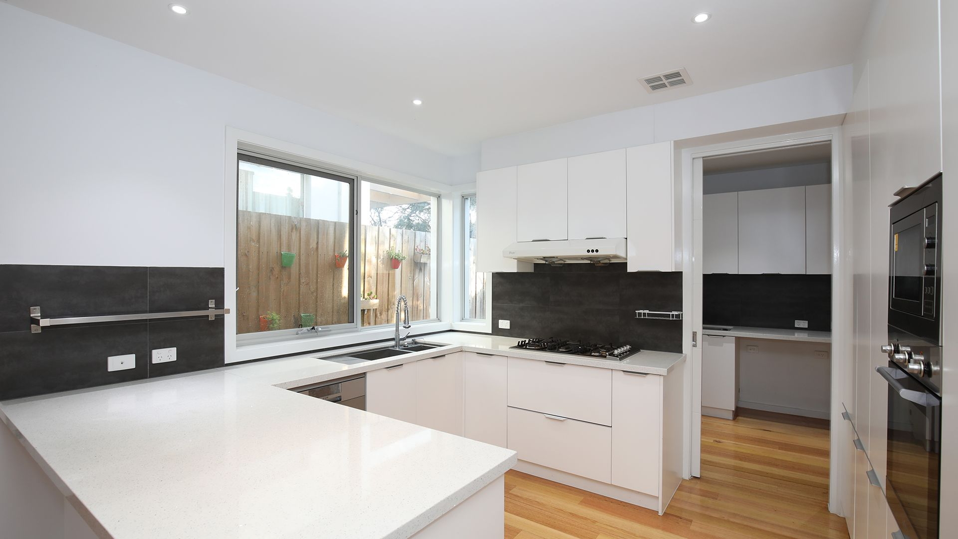 24 Colchester  Drive, Doncaster East VIC 3109, Image 2