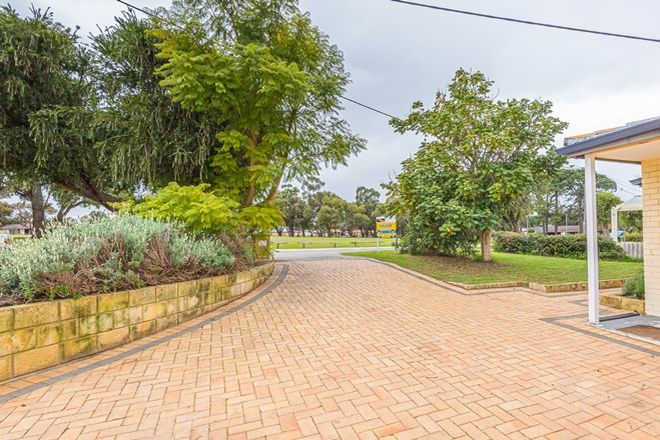 Picture of 37 Connaught Street, FORRESTFIELD WA 6058