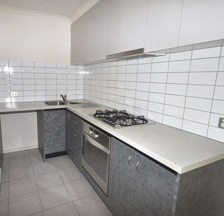 REF 12071/118 Dudley Street, West Melbourne VIC 3003, Image 2
