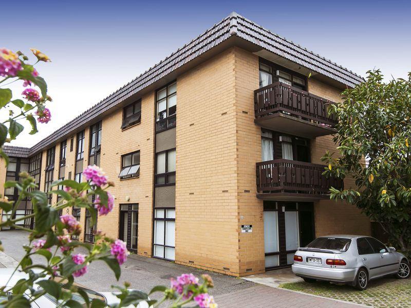 17/25 Partridge Street, Glenelg SA 5045, Image 2