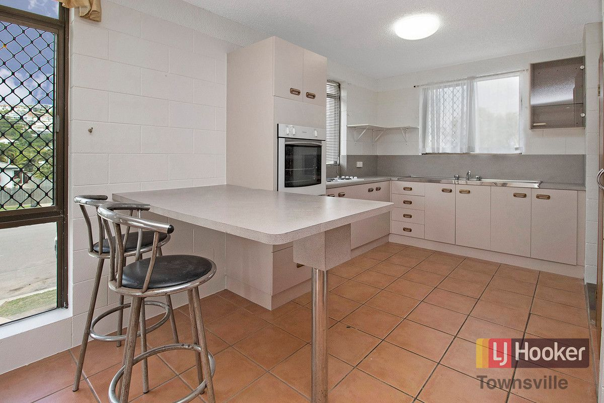 2/143 Eyre, North Ward QLD 4810, Image 1