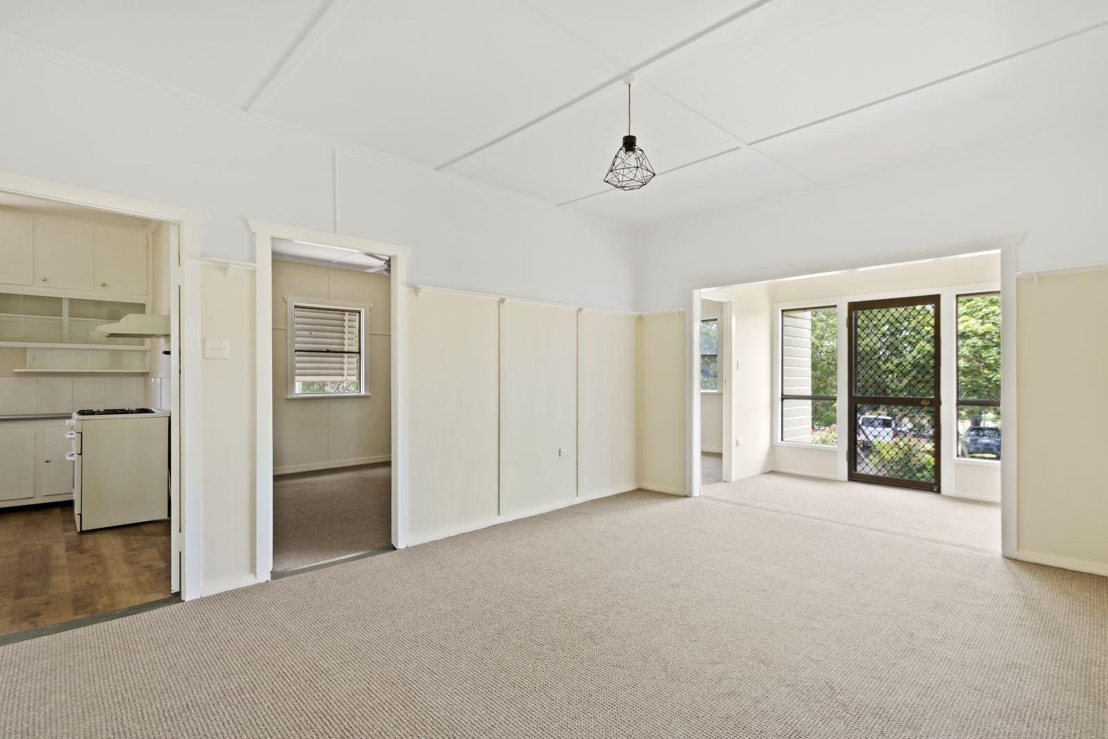 34 Underwood Crescent, Harristown QLD 4350, Image 1