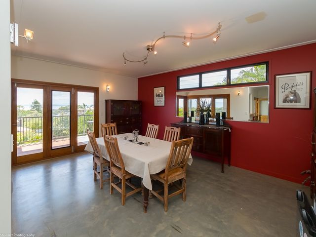 2/5 Blue Water Drive, Booral QLD 4655, Image 2
