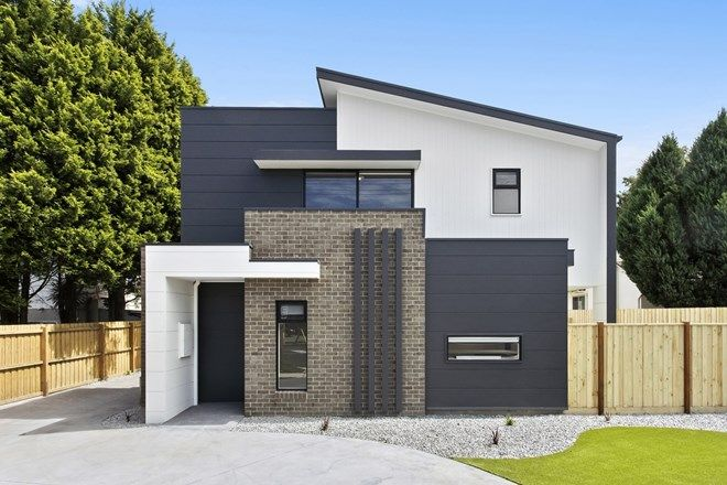 Picture of 1/401 Shannon Avenue, NEWTOWN VIC 3220