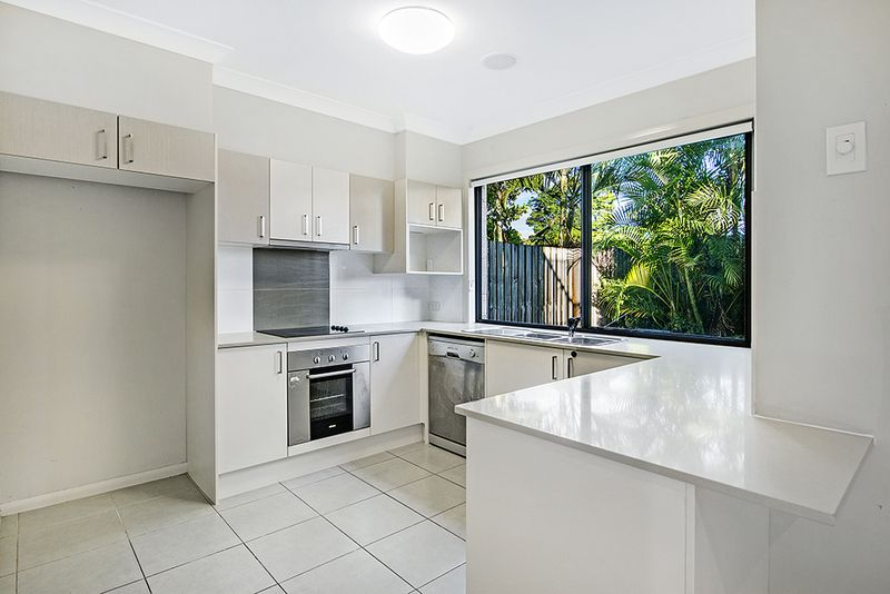 7 Lucy Street, Marsden QLD 4132, Image 2