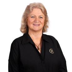 Janelle Walker, Sales & Marketing Consultant
