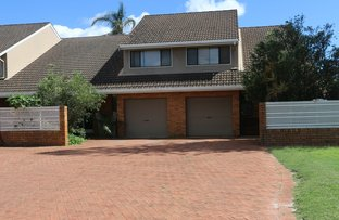 Picture of 2/4 Mariners Way, Yamba NSW 2464
