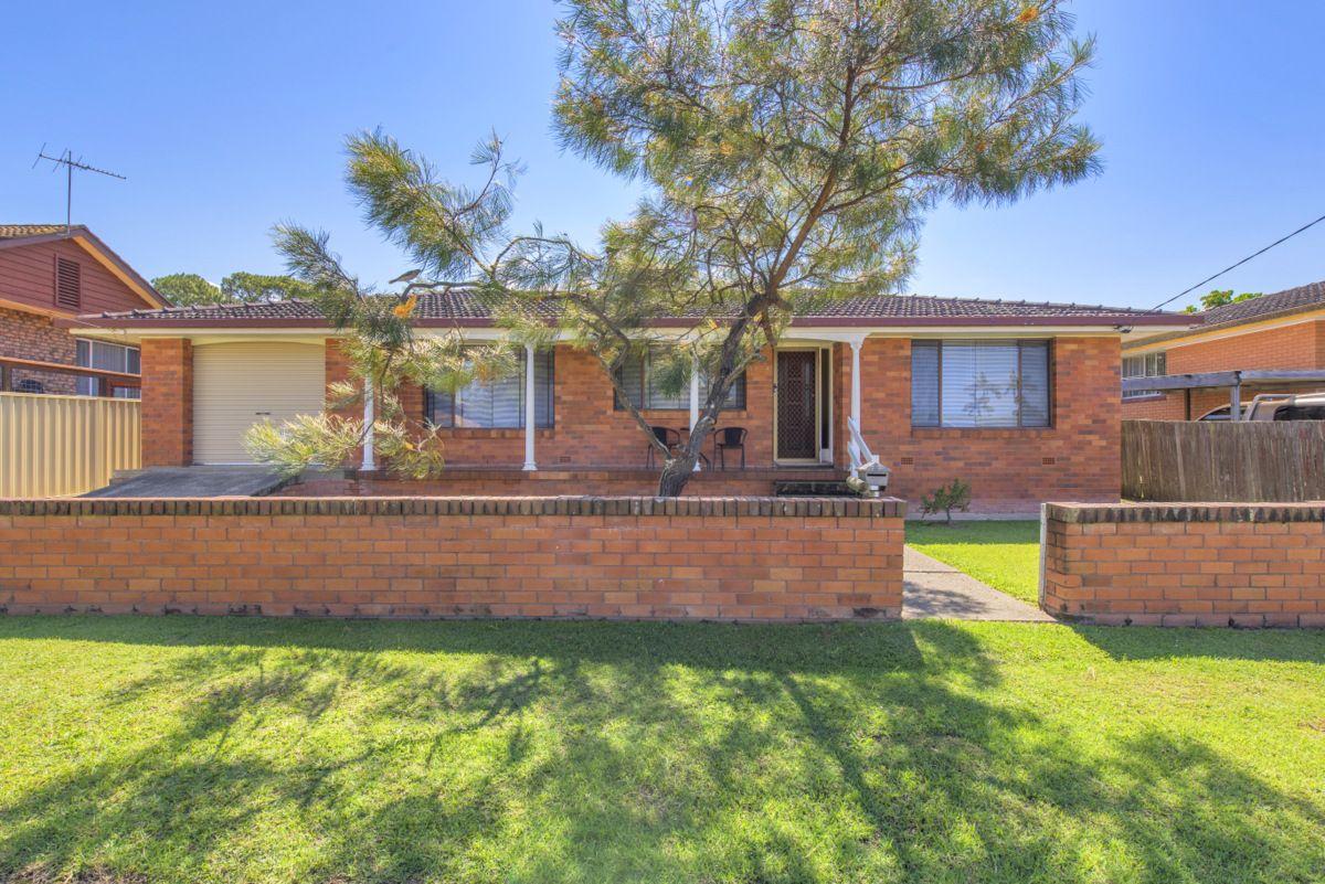 6 Moore Place, Urunga NSW 2455, Image 0