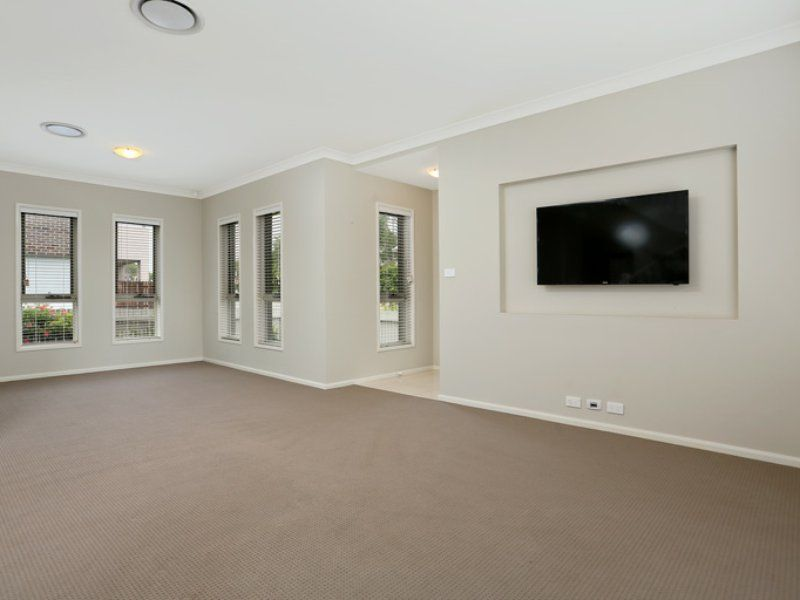 14 Grazier Road, Rouse Hill NSW 2155, Image 2