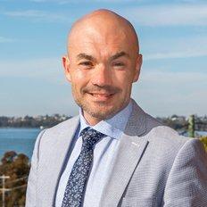 Justin Bond, Principal