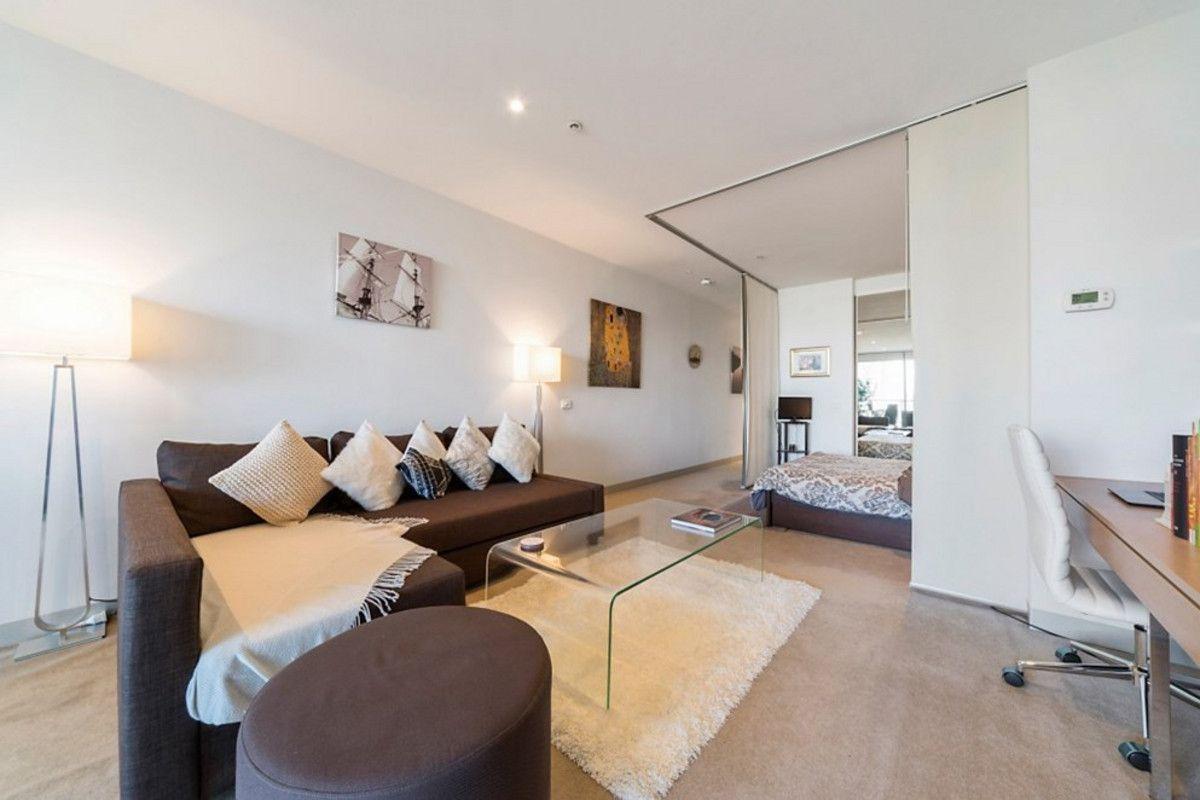1121/555 Flinders Street, Melbourne VIC 3000, Image 2