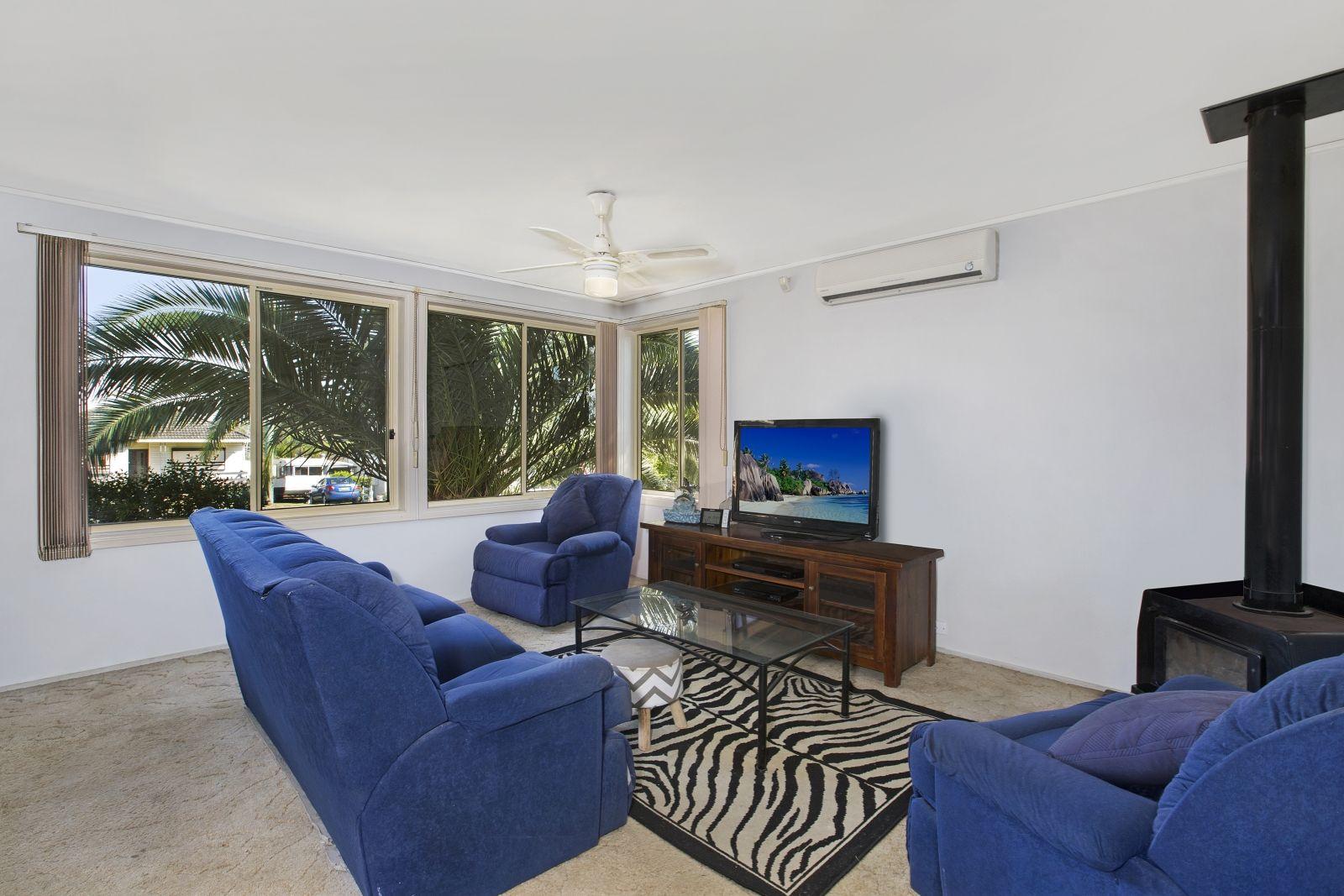 130 Waminda Avenue, Campbelltown NSW 2560, Image 2