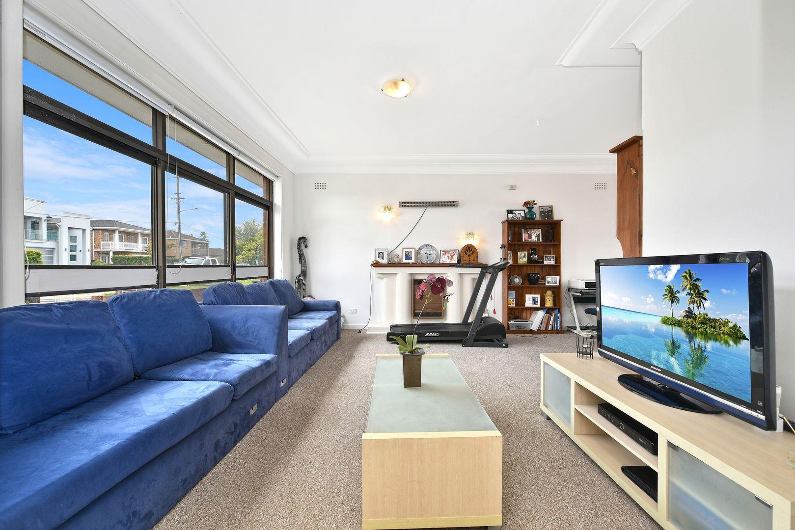 105 Barton Street, Monterey NSW 2217, Image 2