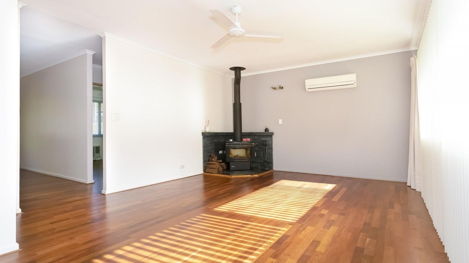 55 Kilkivan Avenue, Kenmore QLD 4069, Image 2