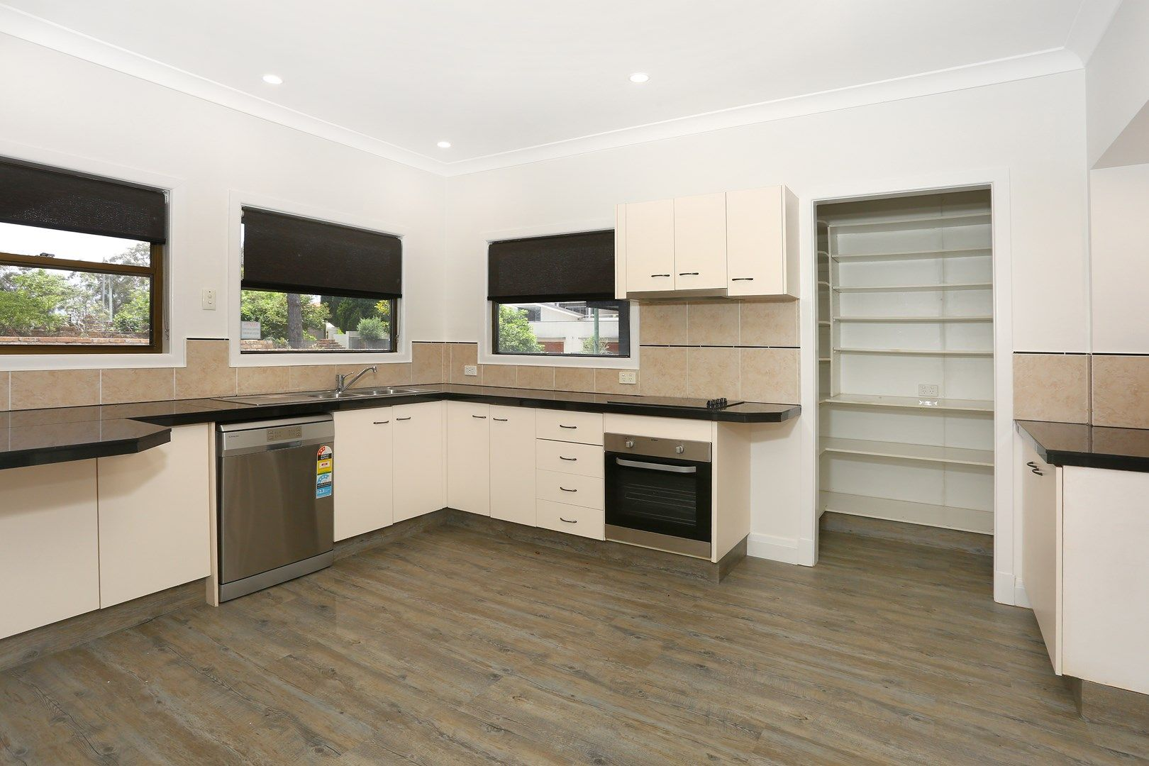 2A Greer Terrace, Southport QLD 4215, Image 1
