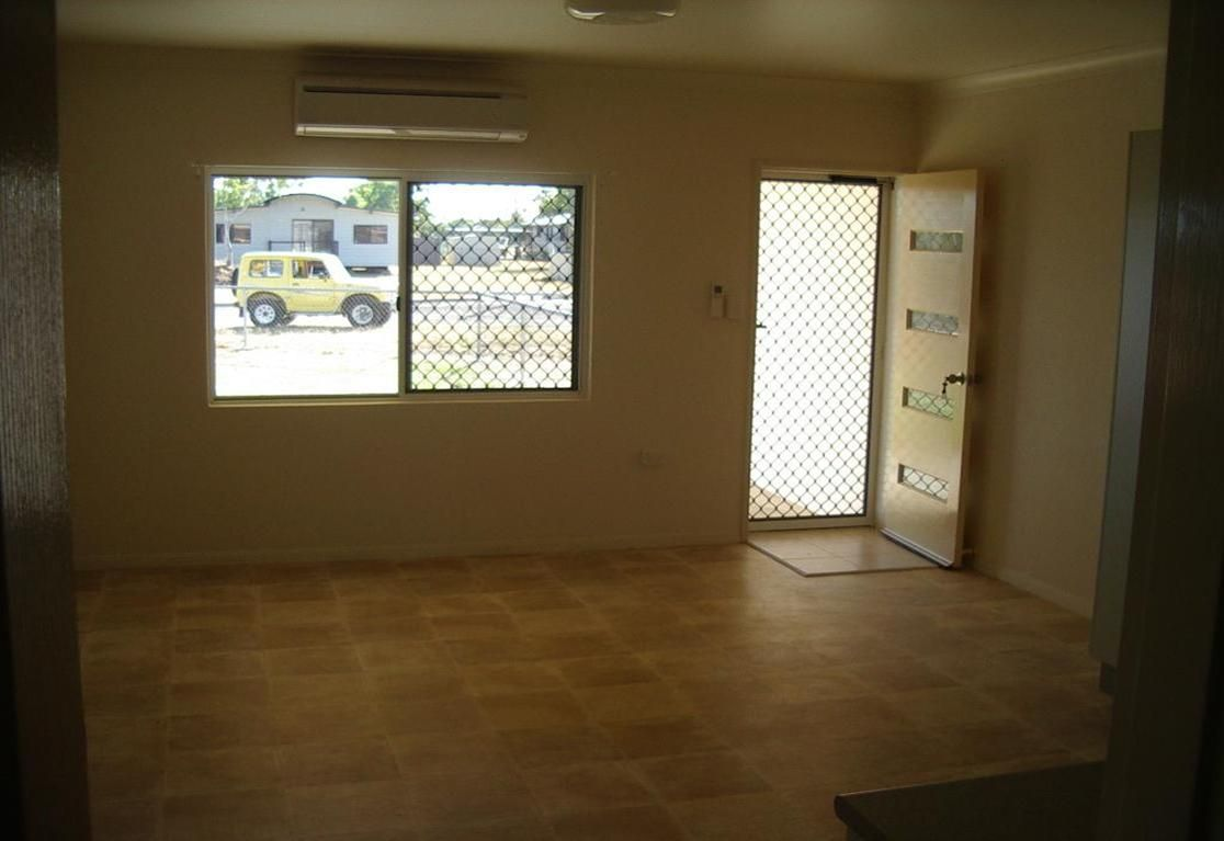 8 Lynch Close, Karumba QLD 4891, Image 2