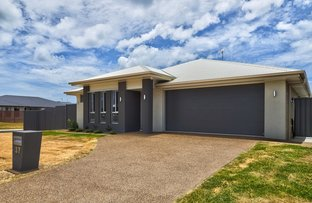 Picture of 37 Seahaven Cct, Pialba QLD 4655